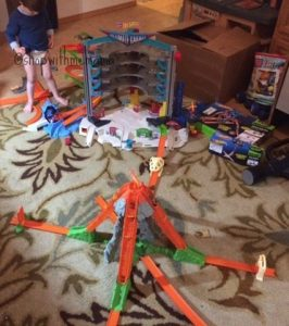 Inspiring Imaginative Play With Hot Wheels Toys! (Giveaway) #SparkingAwesome