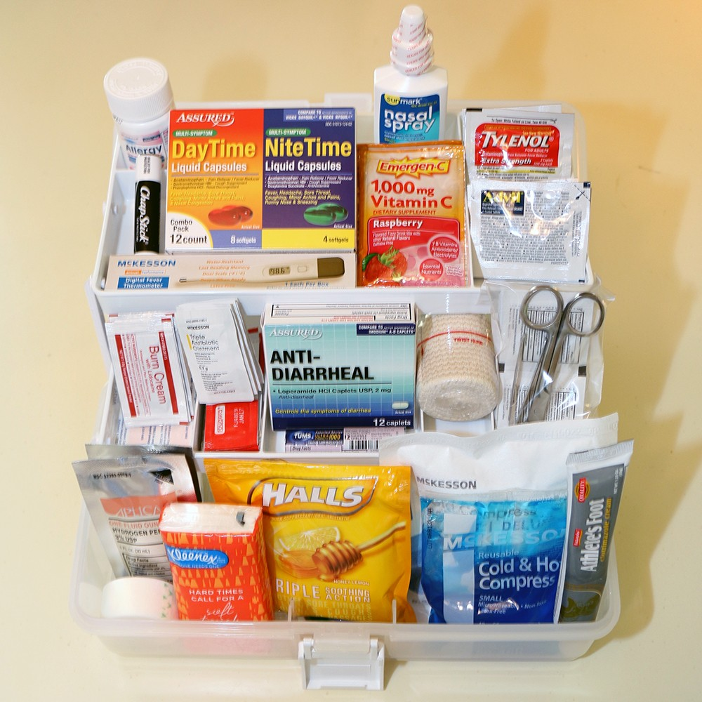 The college first aid kit premium