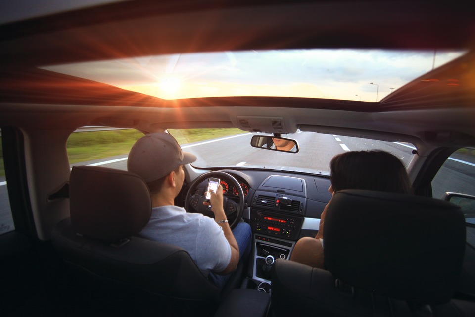 8 Things Not To Do When Driving A Vehicle