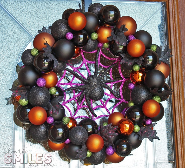 DIY Halloween Ornament Wreath