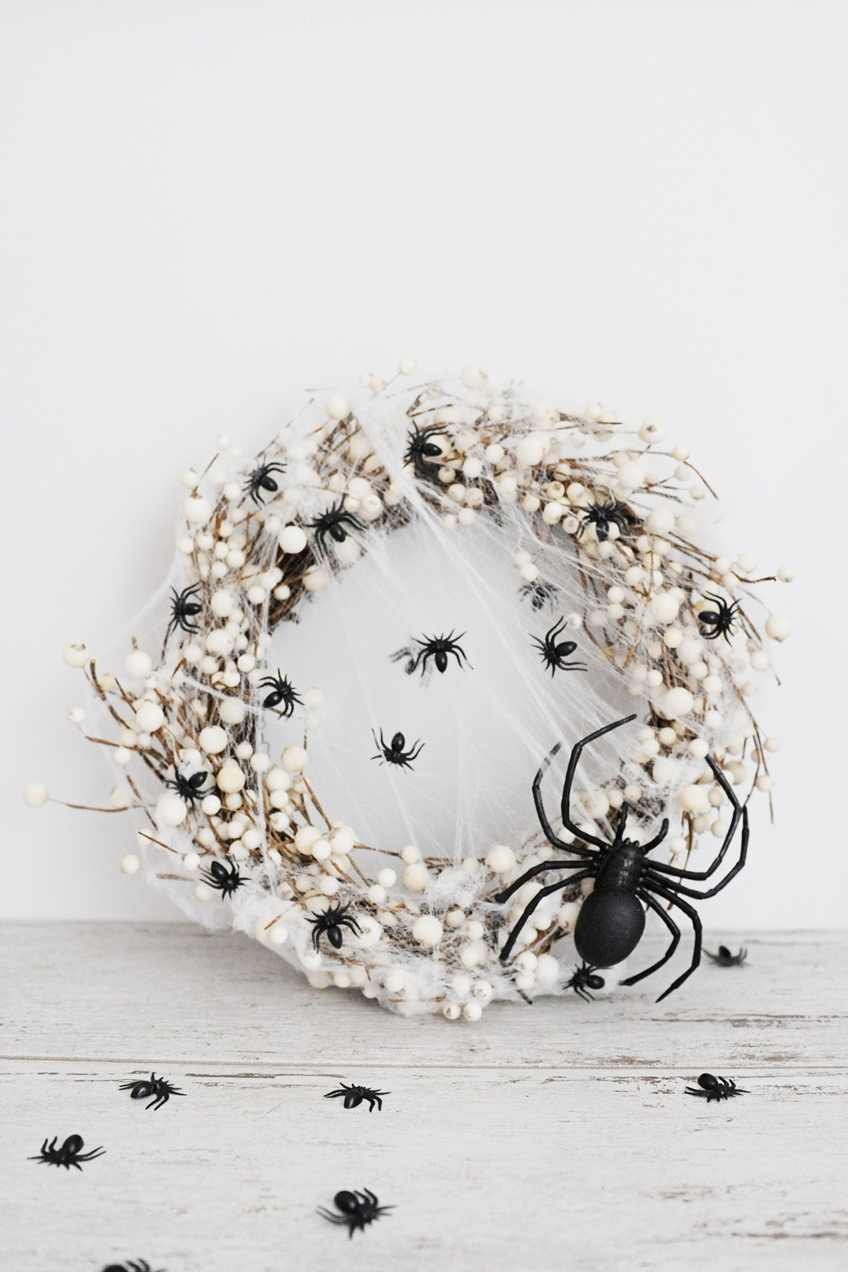 DIY Spider Wreath for Halloween
