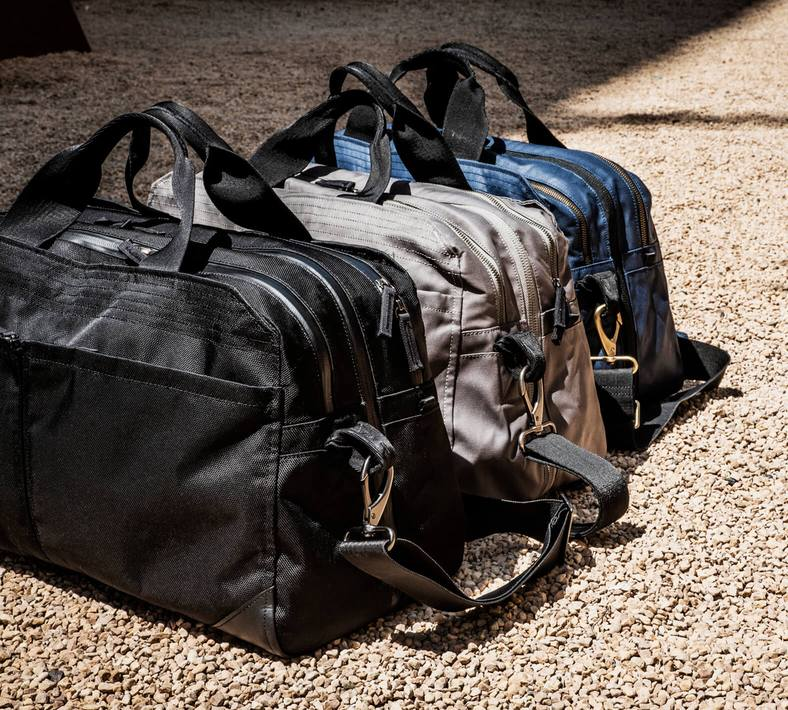 Travel bags in three different colors