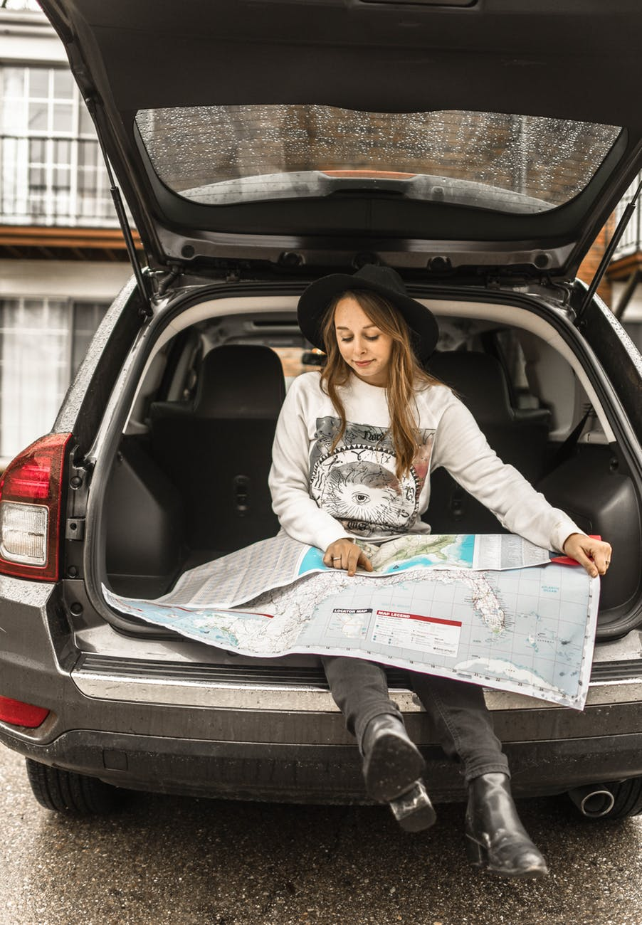 Things to Stock in Your Car For a Road Trip
