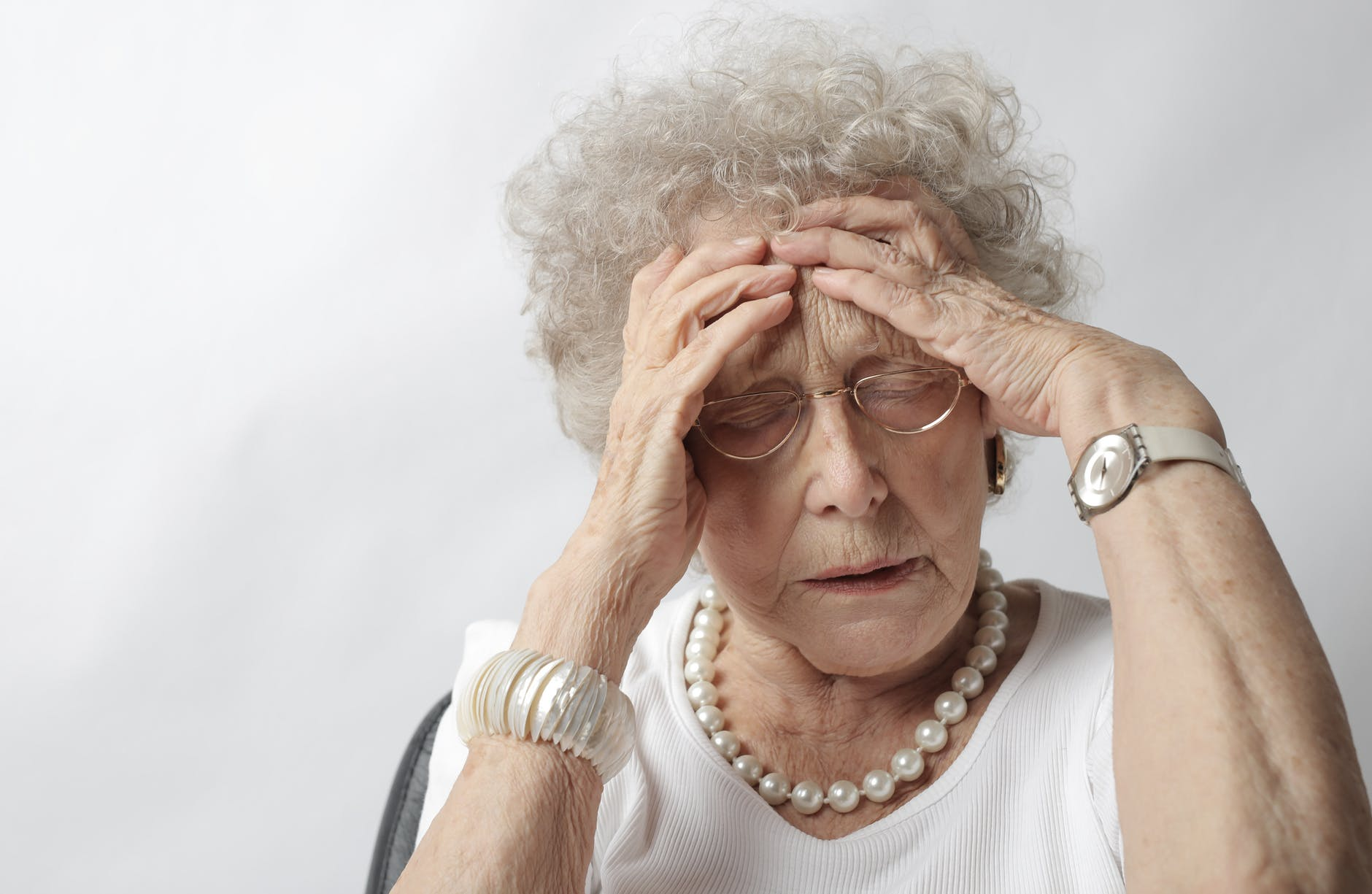 Taking Care Of Your Elderly Parents: Risks And Tips