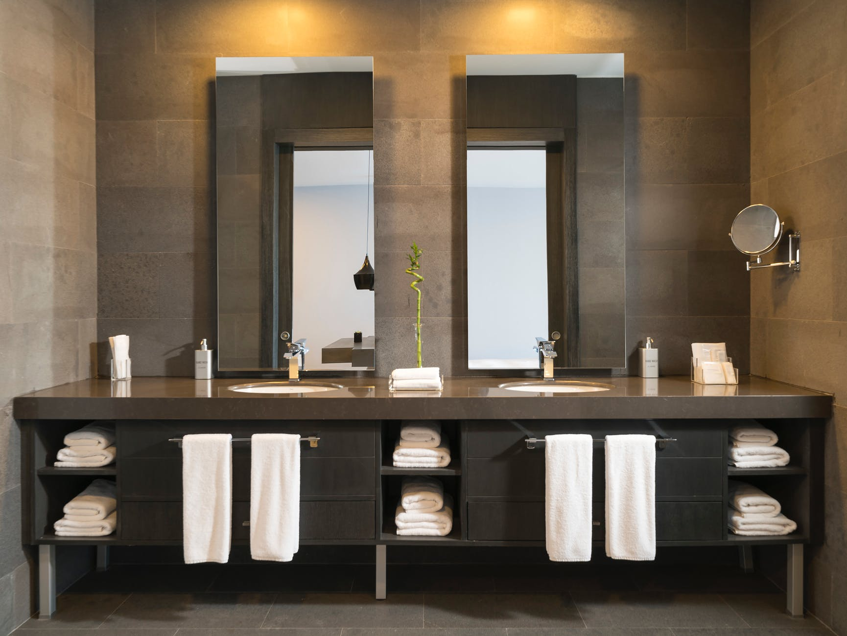 Choosing The Right Vanity For Your Bathroom